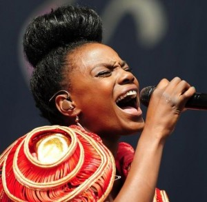 the-noisettes-v-festival-day-2-02